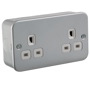 M9000U  METAL CLAD 13A 2G UNSWITCHED SOCKET